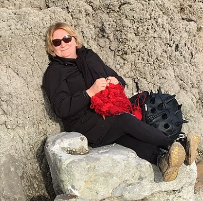 Knitting 'Part of me 4' at Barafundle beach, Pembrokeshire, in the sunshine!